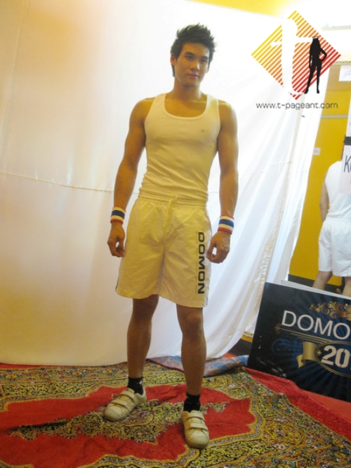 Uprising model mr world thailand s rattasat max for Domon man 2010