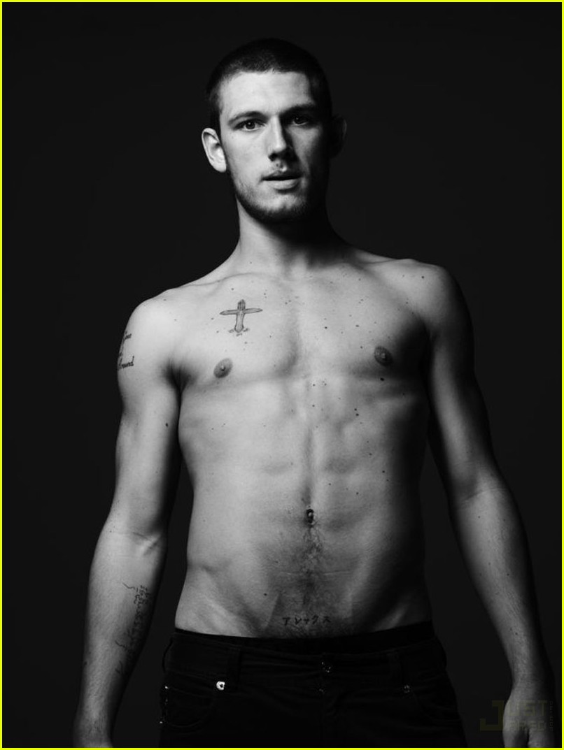 alex pettyfer muscle. alex-pettyfer-muscle-01